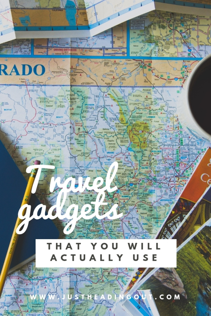 essential useful travel gadgets gift ideas