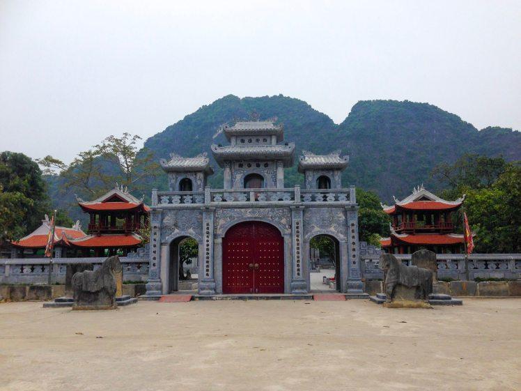 temple vietnam Tam Coc