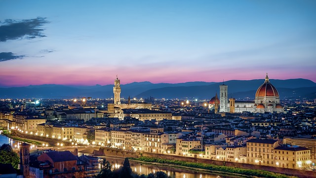 Florence skyline sunset view piazzale michelangelo Iatly city guide travel guide