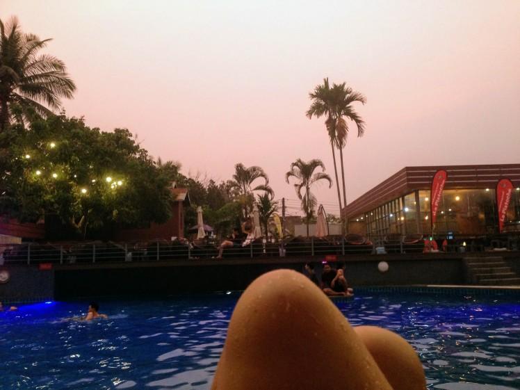 swimming pool Luang Prabang la pistoche Laos sunset
