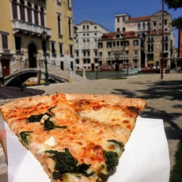 Venice Italy Venezia pizza lunch things to eat in Italy food guide