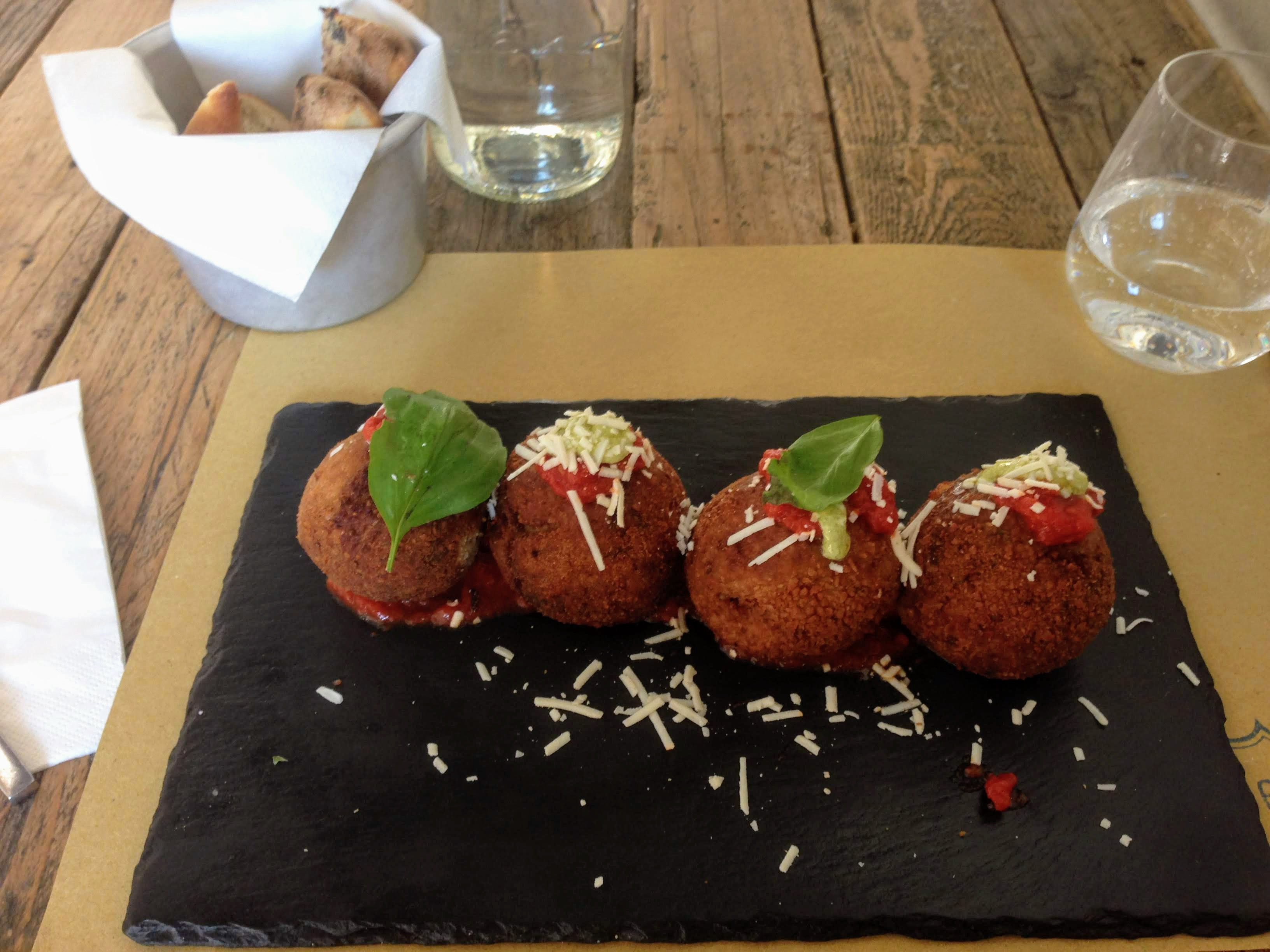 Italian cuisine food guide tavel guide food tips things to eat traditional dishes Sicily polpette