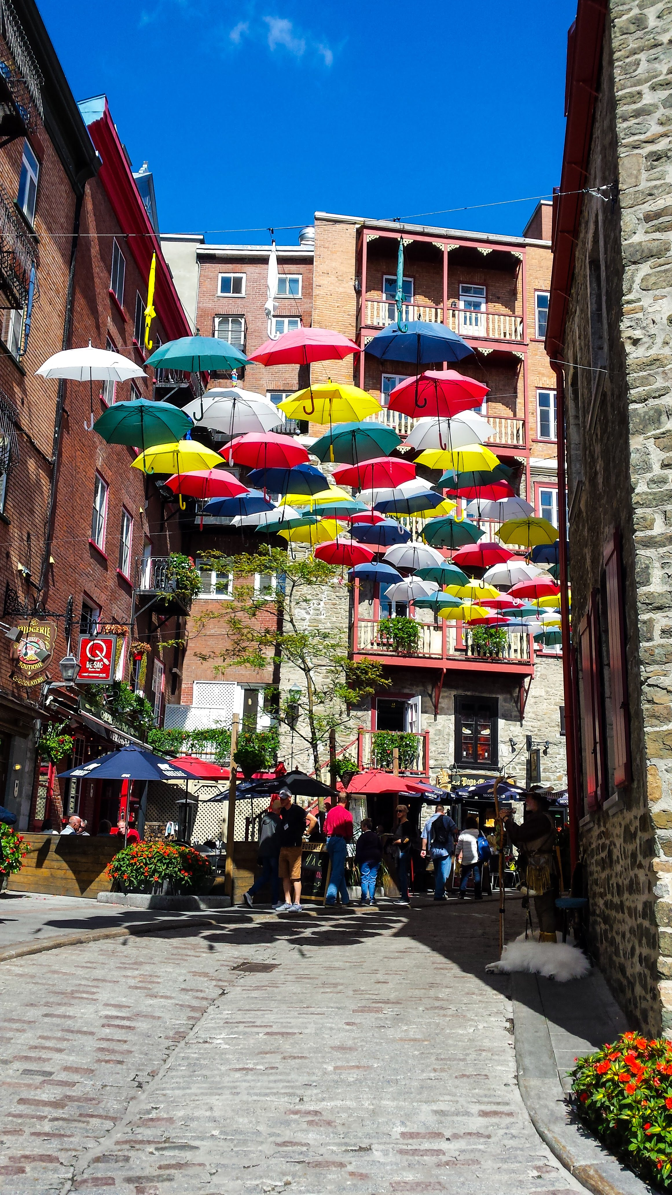 Canada Quebec City travel guide travel tips city guide things to do itinerary sightseeing highlights petit champlain