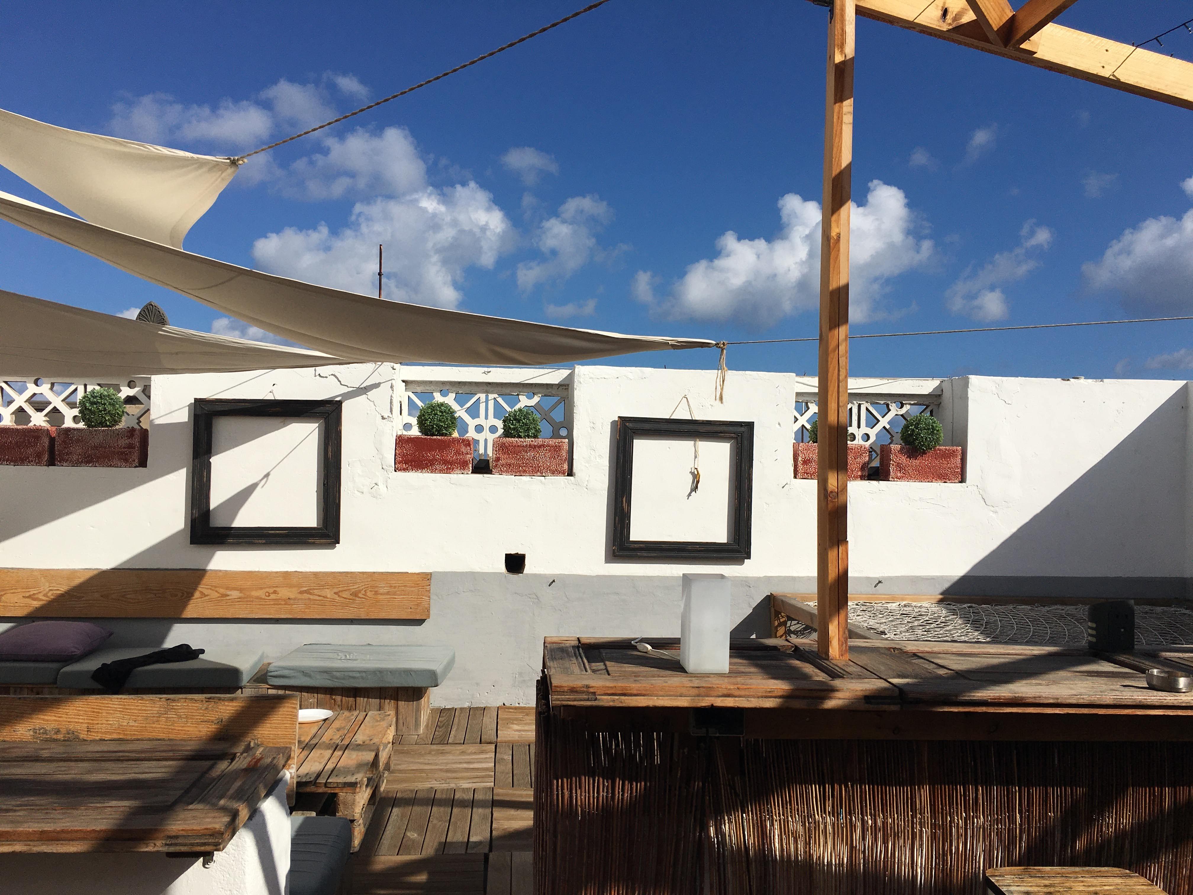 hostel Gran Canaria rooftop bar