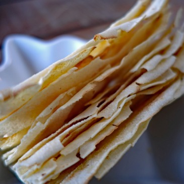 pane carasau flatbread sardinia food guide italy cuisine things to eat in italy