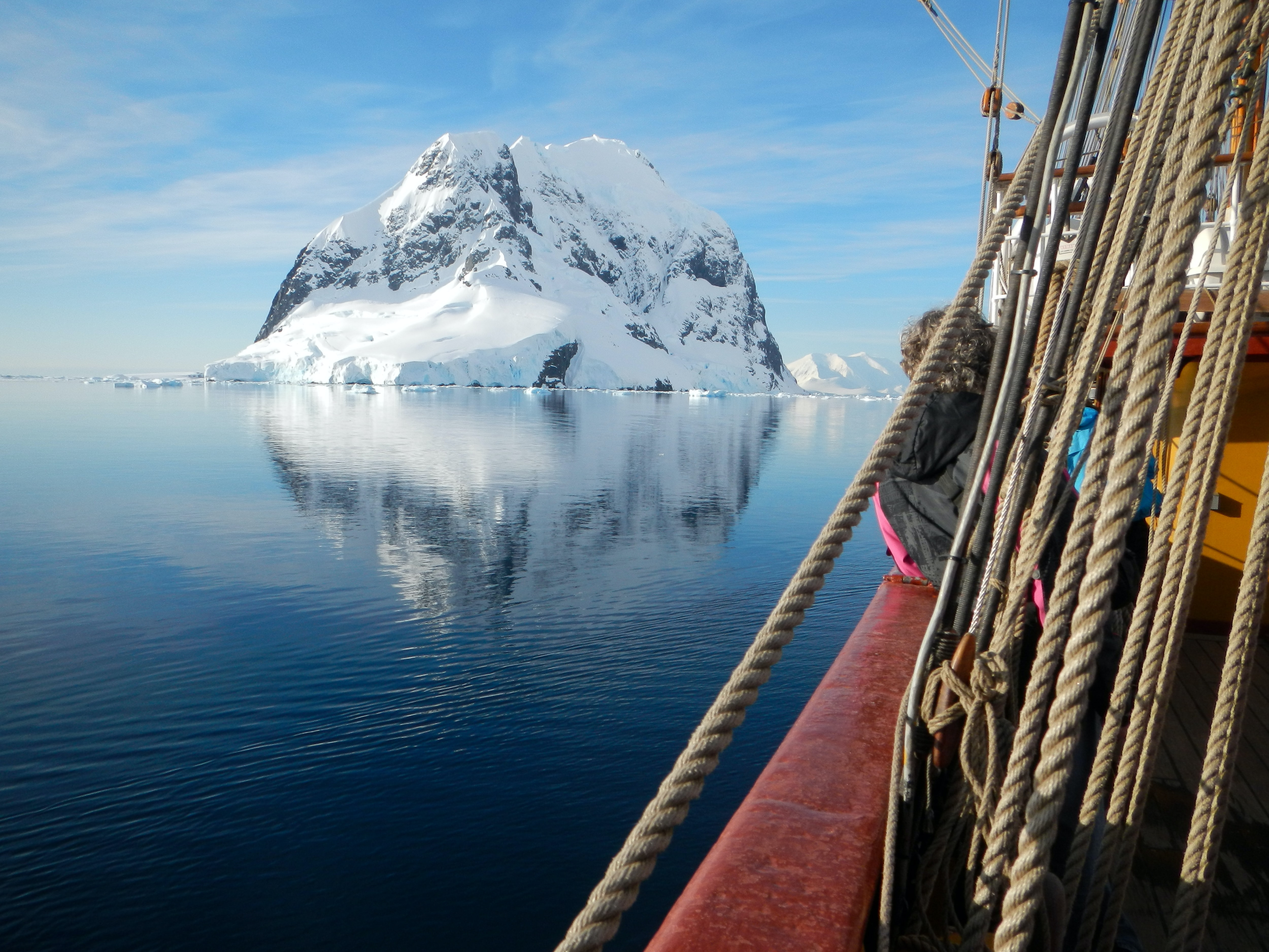 Antartica ship ice berg bucket list