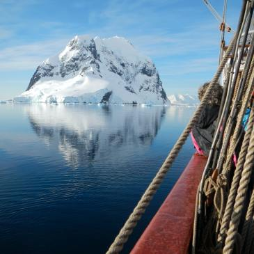 Antartica ship ice berg travel bucket list